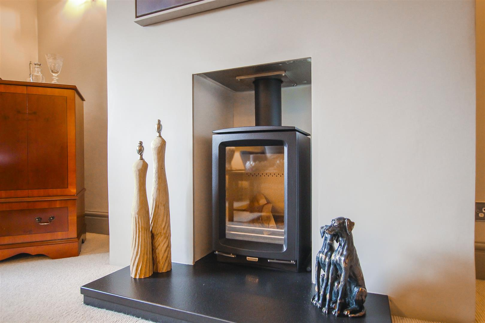 3 Bedroom Cottage For Sale - Fireplace